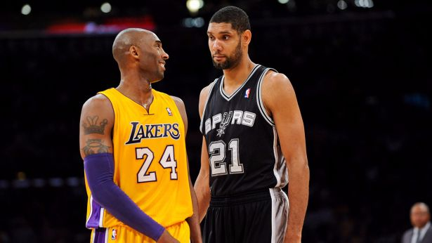 Kobe-Bryant-vs-2016-Spurs-Tim-Duncan-4K-Wallpaper-1