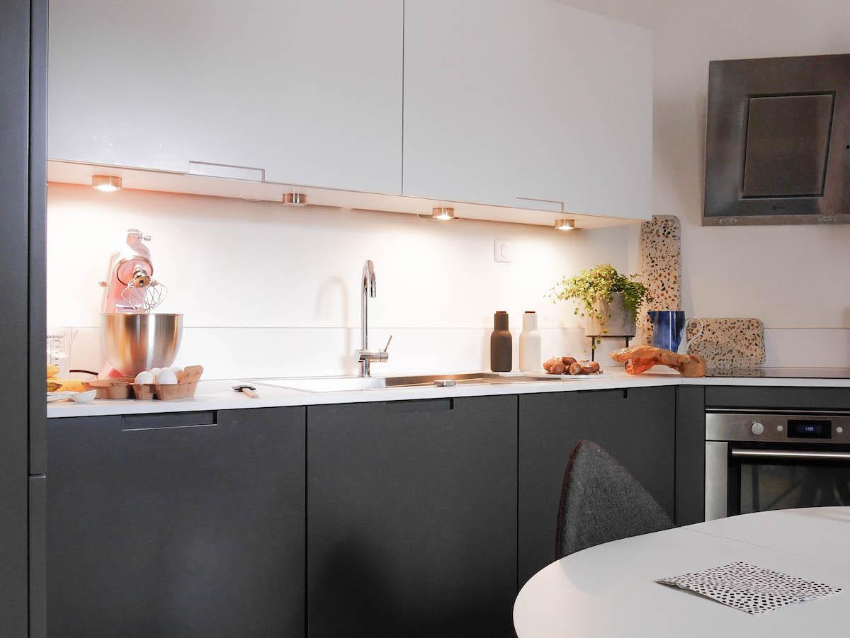 Exceptionnel Cuisine Grise Et Blanche Paris Darty Hotte Design Moderne Inox