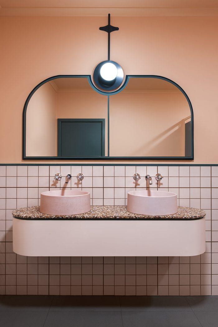 Beau Salle De Bain Art Déco Rose Géometrique Bleu Canard