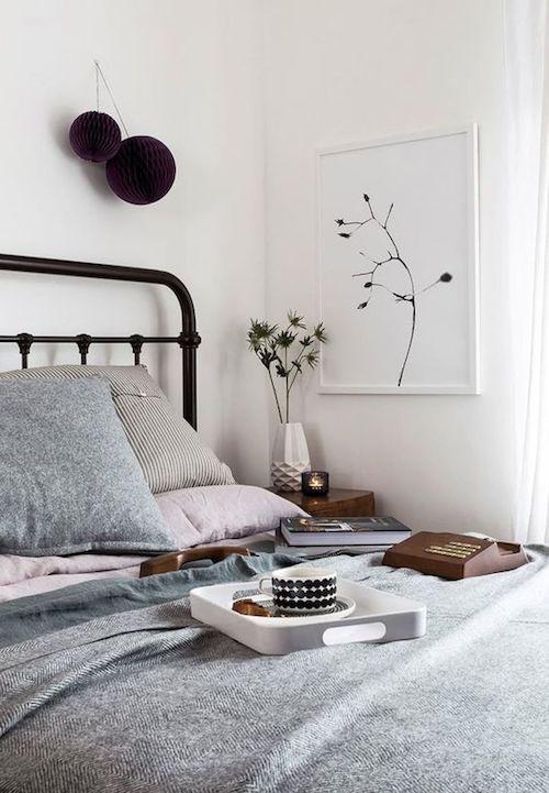 décoration aménager 20m2 optimisation studio lit chambre cadre blog déco design diy violet gris