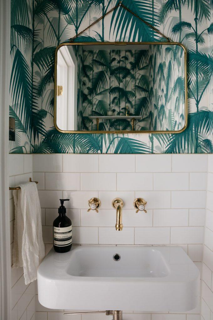 Salle De Bain Theme Nature Papier Peint Tropical Feuille Palmier Miroir  Laiton   Blog Déco
