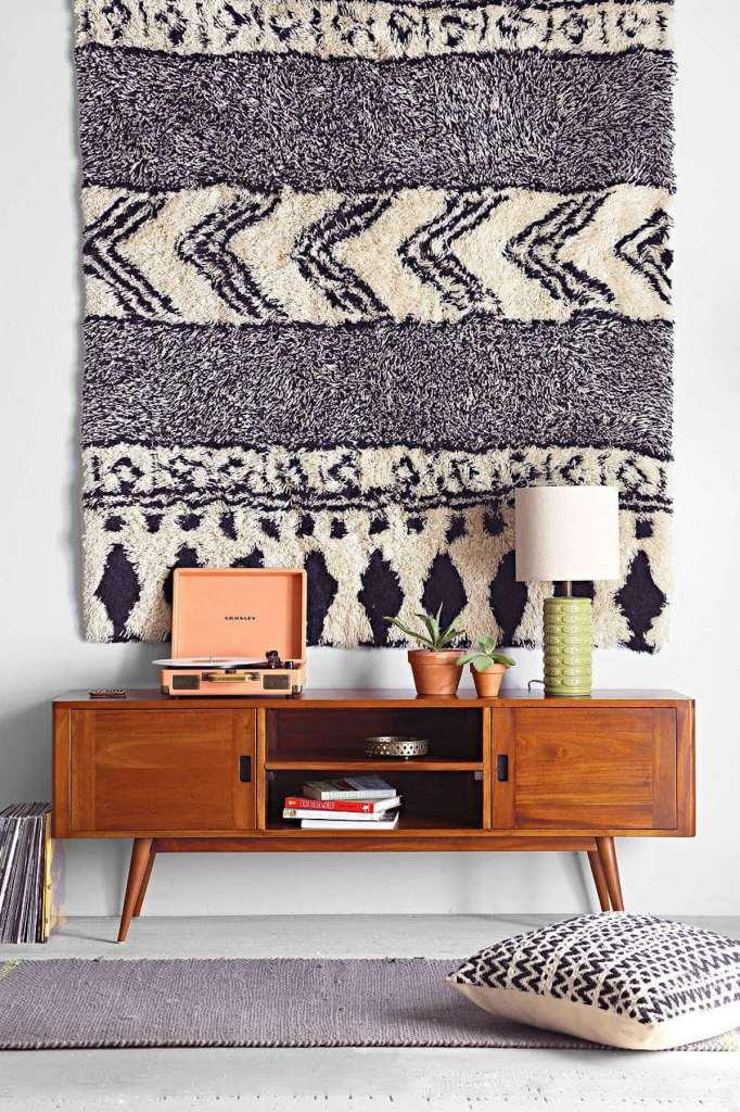 comment fixer un tapis au mur décoration tenture murale accrocher - blog déco - clem around the corner