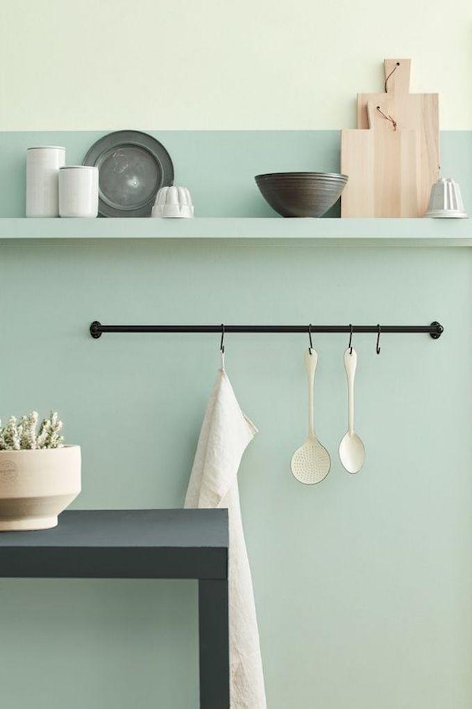 décoration vert céladon cuisine vert pastel étagère olive - blog déco - clem around the corner