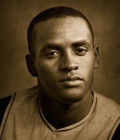 Clemente's headshot for the 1960 Pirates.