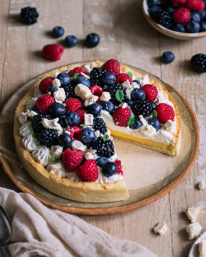 Tarte-citron-chantilly-fruits-rouges