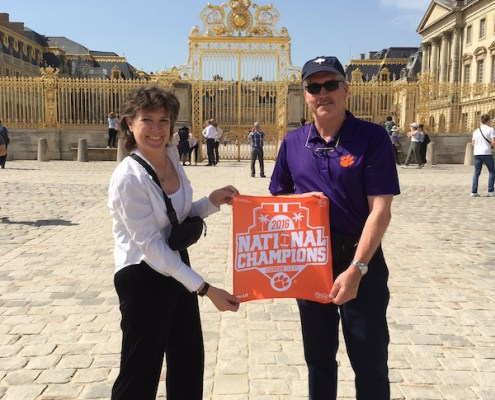 France: Robert '81 and Suzanne Mitchell '83 Frierson