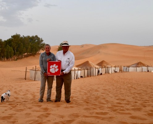 Africa Carole Wilson '71, M '73 and Ron '72 Oakley traveled to the sand dunes of Senegal.