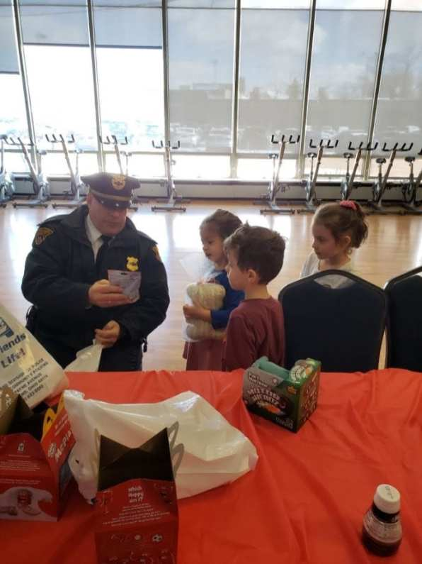 Cleveland Cops for Kids and the 1st District had lunch with the pre-schoolers at the West Park Y on Valentine's Day!