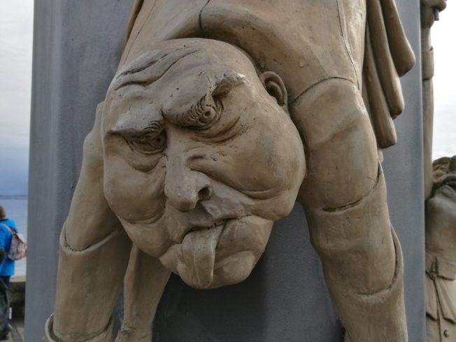 Figuren am Anleger in Meersburg