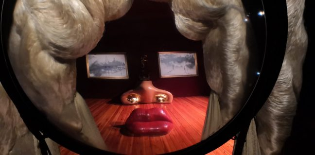 Im Teatro Museo Dalí: Installation