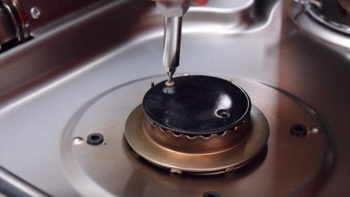 Gasbrenner aufschrauben Dometic Gasherd