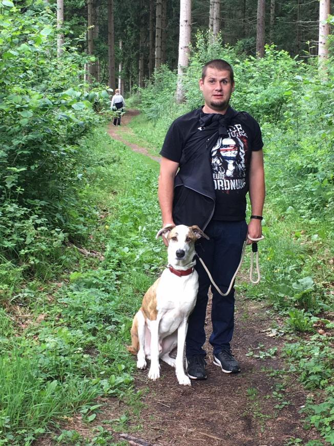 Marcel mit seinem Hund