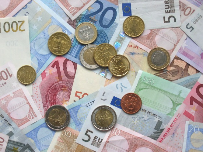 Alt-M Redux: Incredible Commitments: Why the Euro is Destroying both Europe and Itself