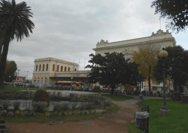 Itinerari Poetici Piazza Dante CliccaLivorno