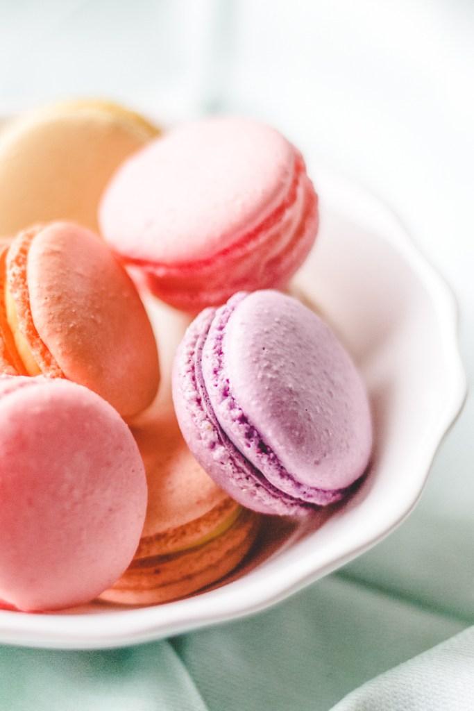 macarons-photographie culinaire en lumière naturelle-cliches de saveurs