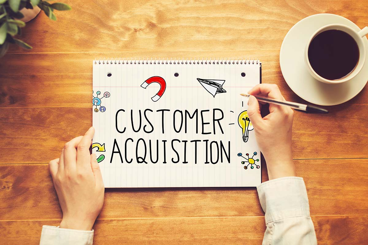 click-wise__services_customer_acquisition_on_notebook