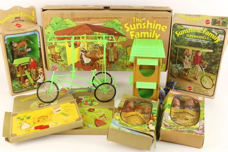 1975 The Sunshine Family Collection - Courtesy of Mears Online Auctions