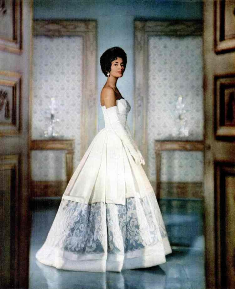 Breathtakingly gorgeous vintage classic dress from 1960