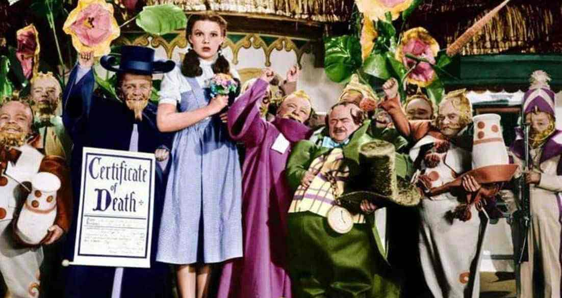 Dorothy and Munchkins in the Wizard of Oz movie - 1939
