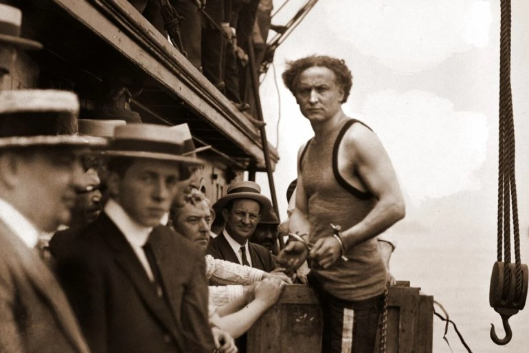 Harry Houdini stunt 1912
