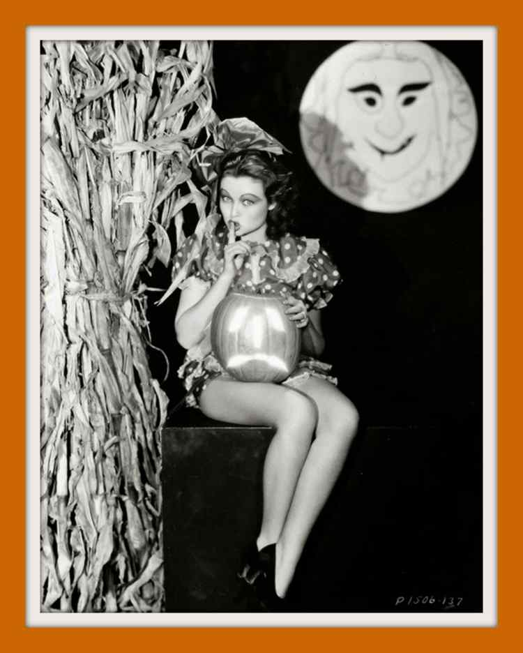 Lona Andre - Vintage Halloween pinup girl from the 1930s