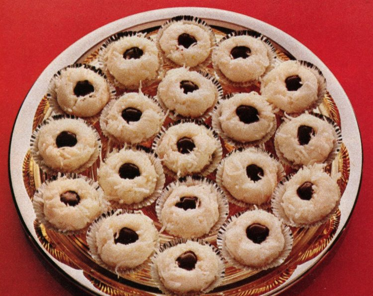 Old-fashioned Christmas desserts: Coconut joy cookies