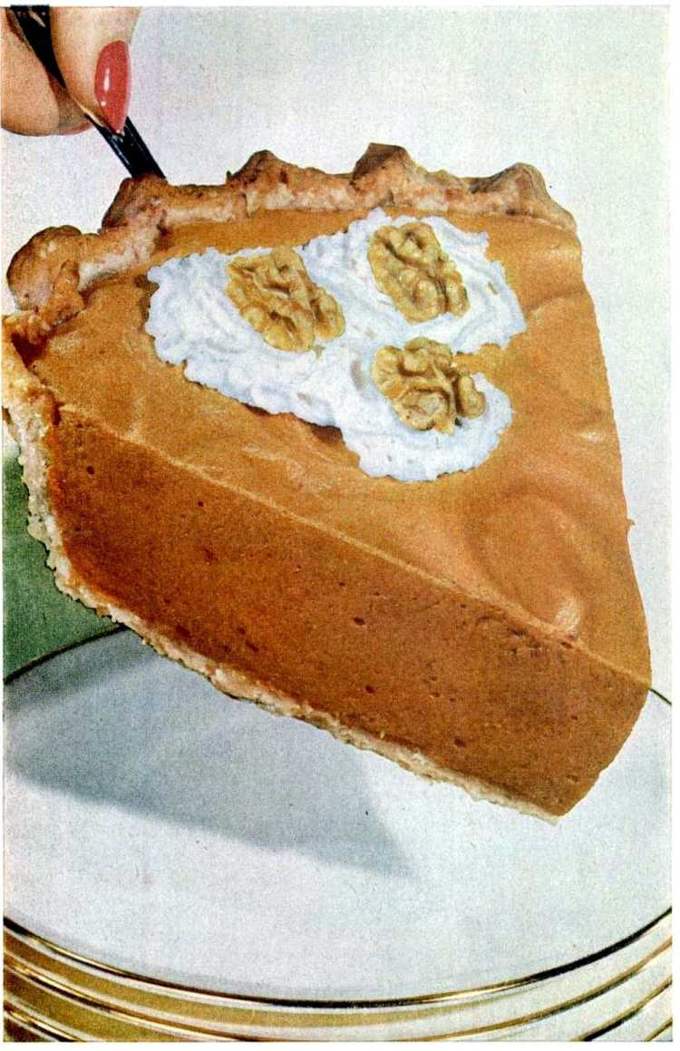 Old-fashioned nut crust for pumpkin pie from - vegetable oil pie crust recipe from 1954