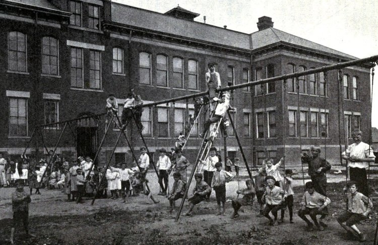 Old playground equipment and fun for kids from the 1920s (5)