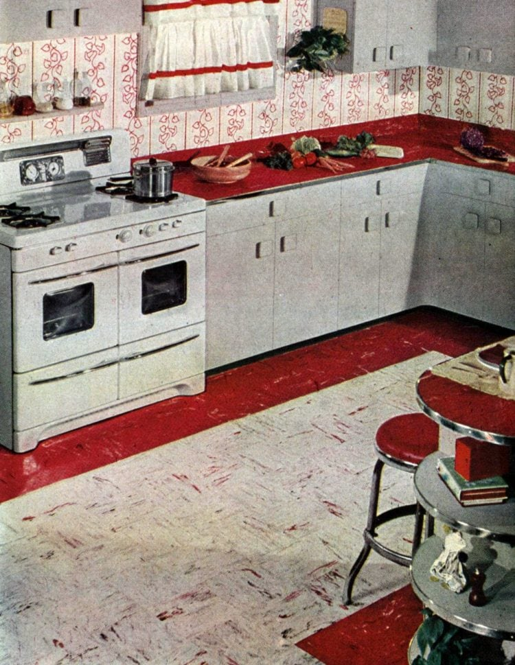 Flooring from fifties: Retro kitchens with red and white floor