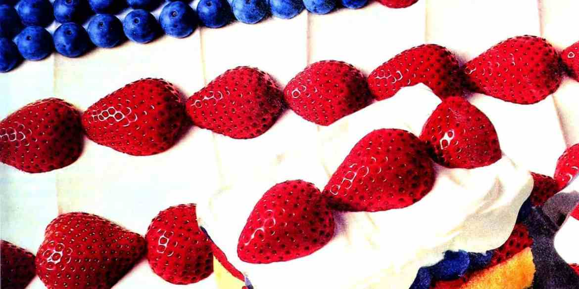 Stars & stripes dessert Pound cake, berries & whipped topping (1994)