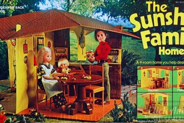 The Sunshine Family Home (dollhouse) - Vintage toyts