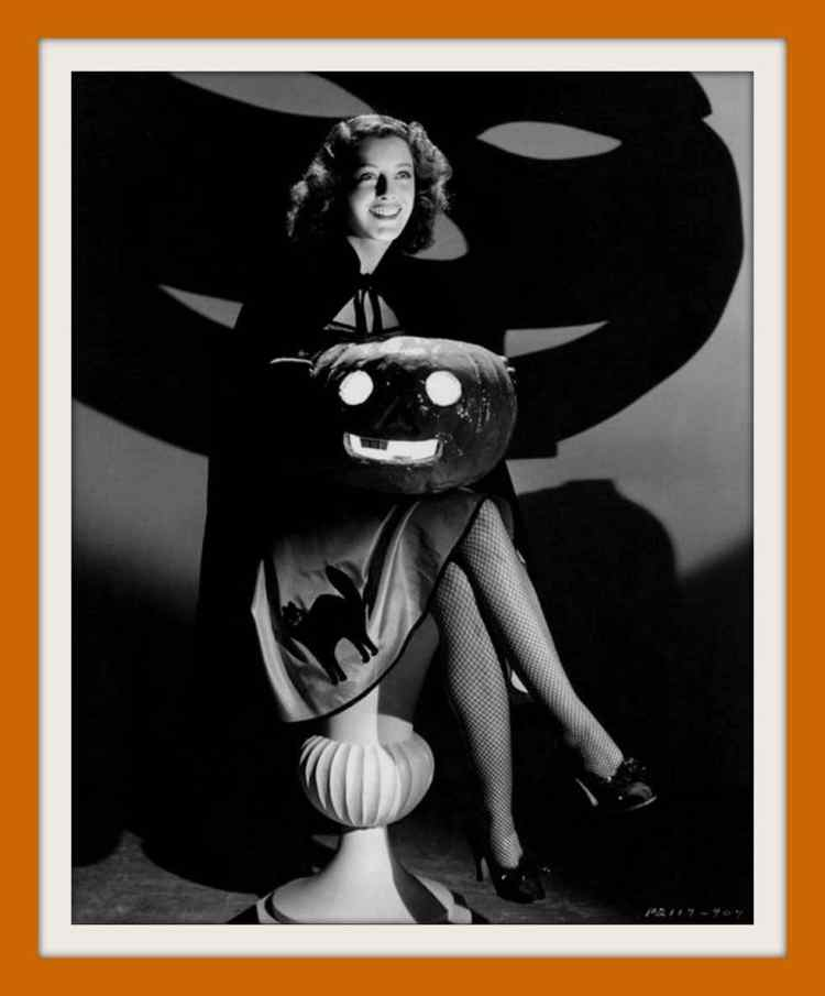 Vintage Halloween pin-up girl from the 1940s