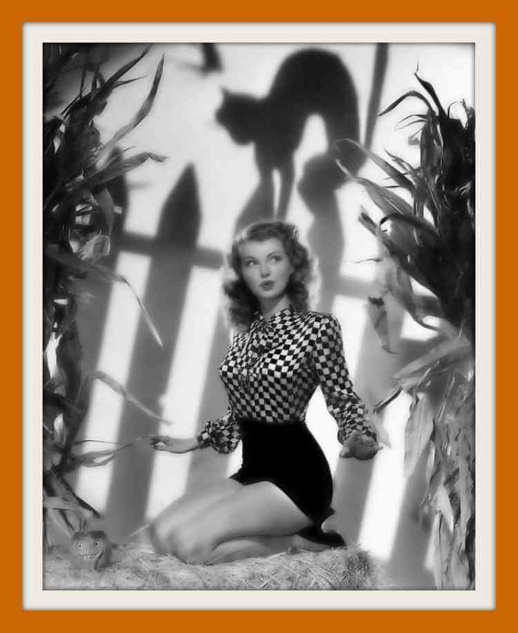 Vintage actress Lillian Wells - Halloween pin-up