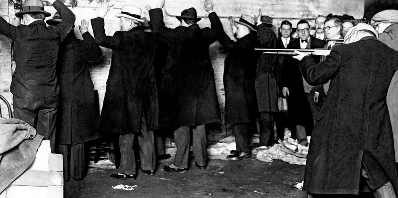 reenactment of St Valentine's Day massacre 1929 for jurors