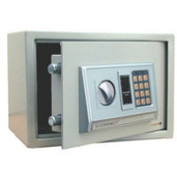 Q-Connect Electronic Safe 10L H200Xw310Xd200mm KF04390