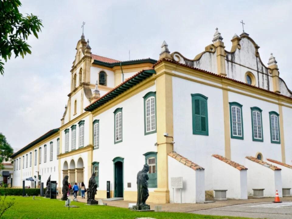 Museu de Arte Sacra: Vaga Recepcionista