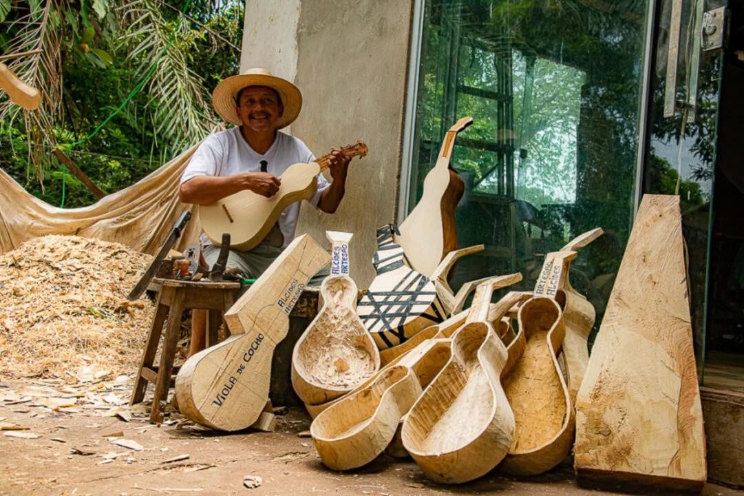 Viola de Cocho um instrumento que é patrimônio Nacional