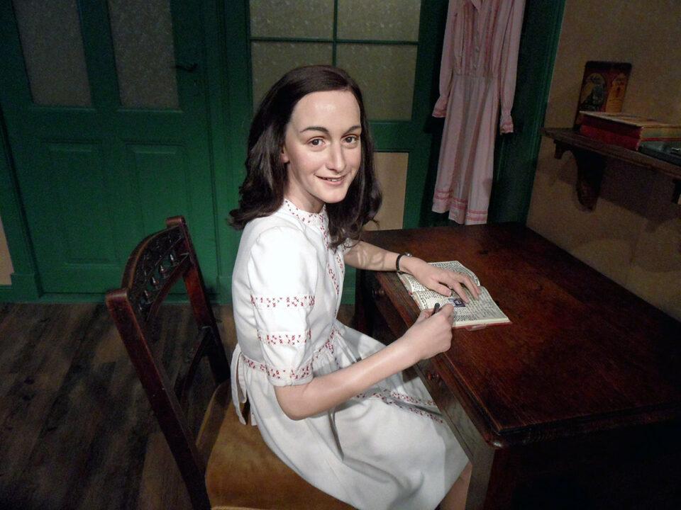 Tour Virtual no anexo secreto de Anne Frank