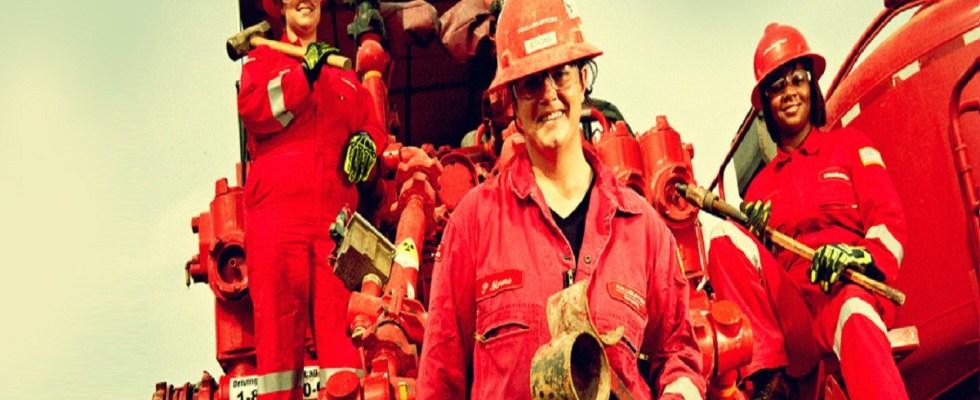 Com as crescentes demandas do setor offshore, a Halliburton abriu muitas oportunidades no RJ e BA para contratos recém celebrados.