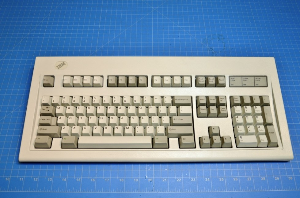 b05a04cba49 1988 IBM model M (1391401) Made by IBM 27 JAN 88 – ClickyKeyboards