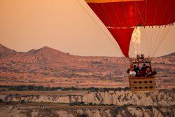 Mongolfiera sulla Cappadocia