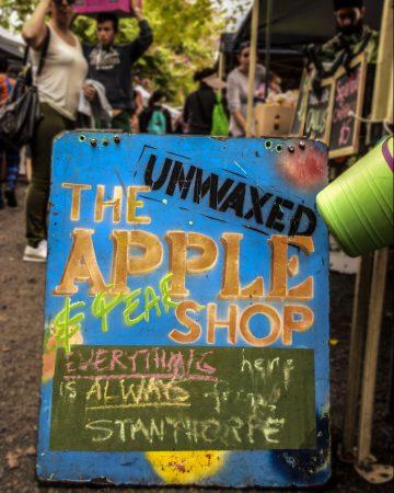Davies Park Market Apple Shop