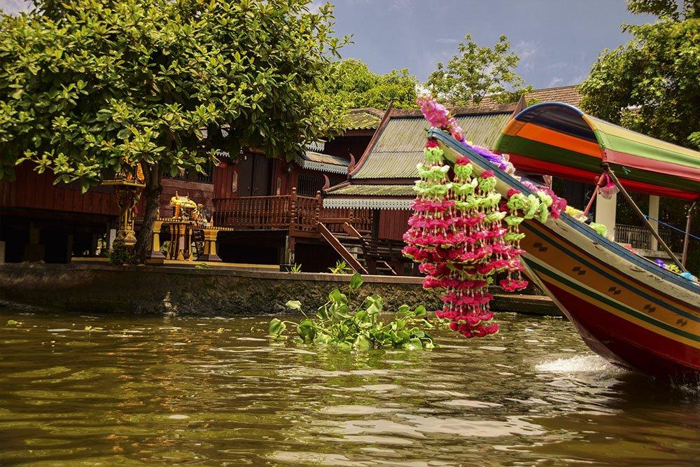 L'imbarcazione tipica usata sui canali di Bangkok