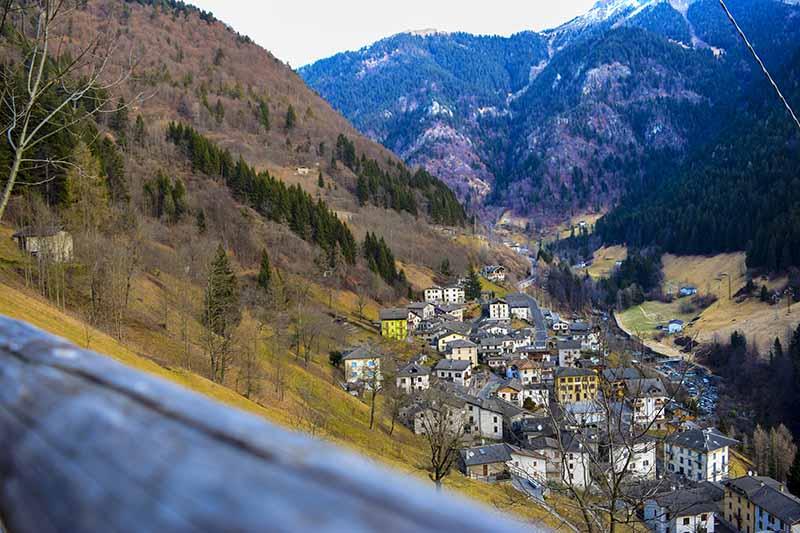 Val Brembana e il borgo di Mezzoldo