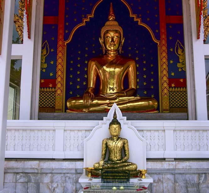 Le diverse posizioni del Buddha nei templi thailandesi
