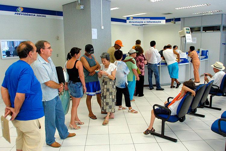 Governo convoca 94 mil segurados do INSS para revisão do benefício