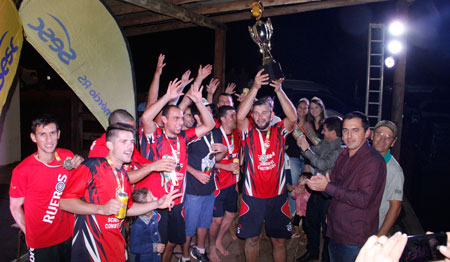Jogos disputados, presença de público e show marcaram a Final do Campeonato Municipal de Beach Soccer