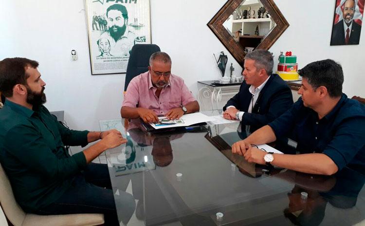 Senador Paim visitou Instituto Federal em Camaquã