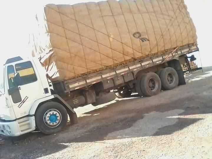 Caminhoneiro sofre assalto e criminosos exigem resgate em troca do caminhão