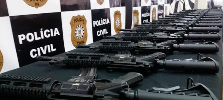 Polícia Civil recebe doação de 49 fuzis do Instituto Cultural Floresta